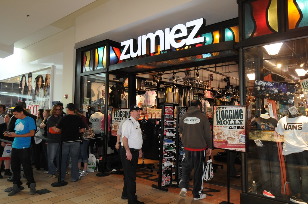 Zumiez x Flogging Molly In Store - Florida 2010: A Great Zumiez Careers opportunity